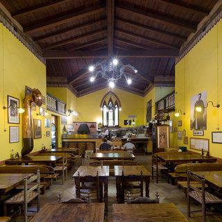 Чтобы спасти здания церквей, власти Италии превращают их в рестораны и автосервисы