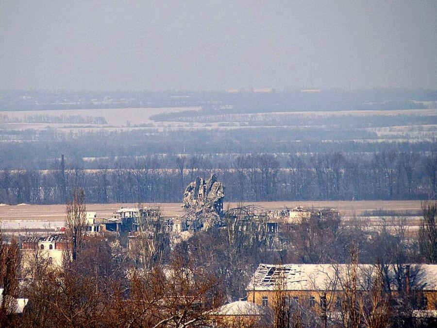 Денис Пушилин: Украинские силовики начали отвод военных подразделений из донецкого аэропорта