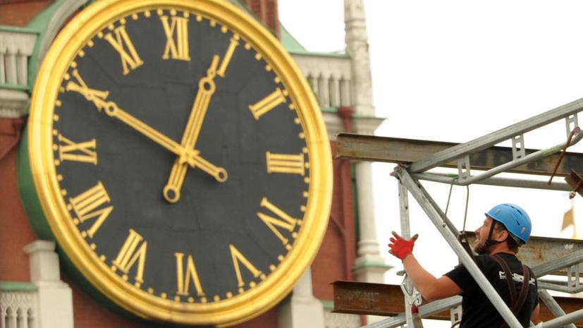 СМИ: Зимнее время может вернуться в Россию к лету