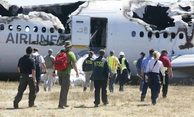Одна из жертв крушения Boeing в Сан-Франциско могла погибнуть под колёсами автомобиля спасателей