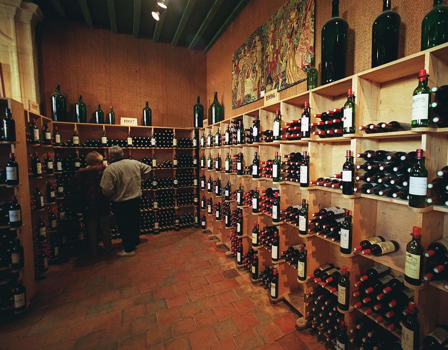 Поставки вина из Франции в этом году могут стать минимальными за 22 года