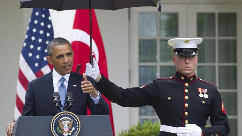 Барак Обама превысил служебные полномочия, чтобы не промокнуть под дождём