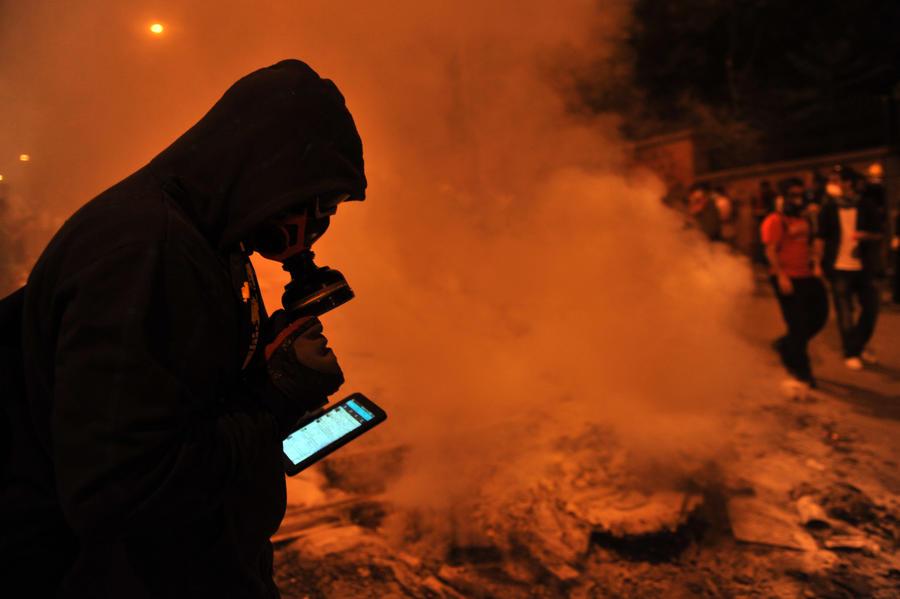 Турецкий премьер мобилизовал 6 тыс. своих сторонников для борьбы с несогласными в интернете