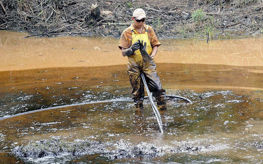Миссисипи угрожает экологическая катастрофа после аварии с участием нефтяной баржи