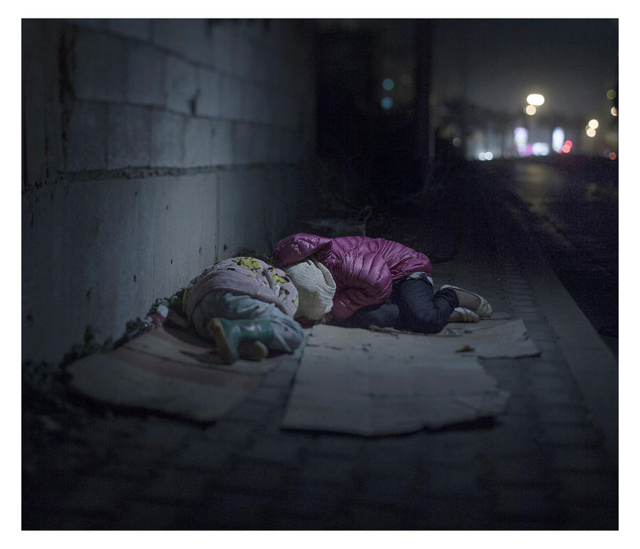 Шведский фотограф опубликовал снимки невыносимых условий жизни детей-беженцев из Сирии