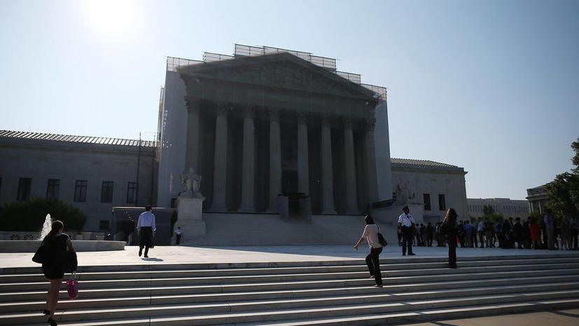 Гражданские активисты просят Верховный суд США остановить прослушку телефонов