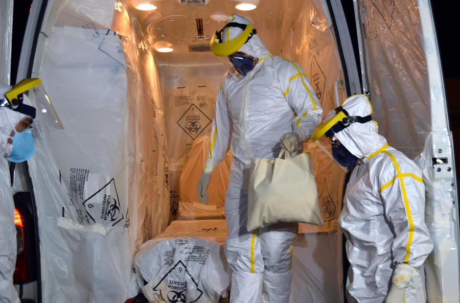 В больницу Нью-Йорка поступил пациент с подозрением на вирус Эбола