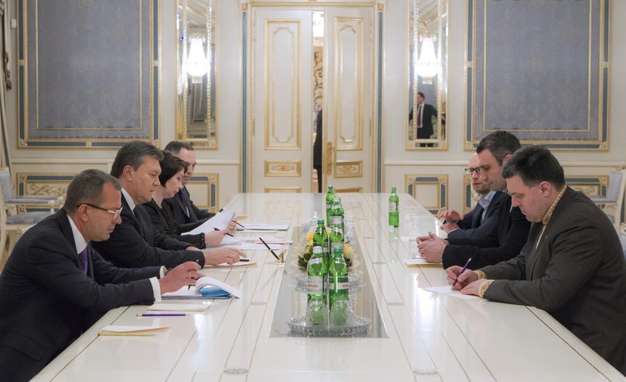 Виктор Янукович провёл переговоры с лидерами украинской оппозиции