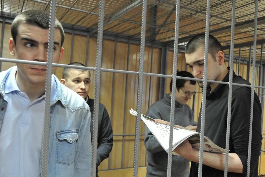 Суд прекратил уголовное производство в отношении четверых фигурантов «болотного дела»