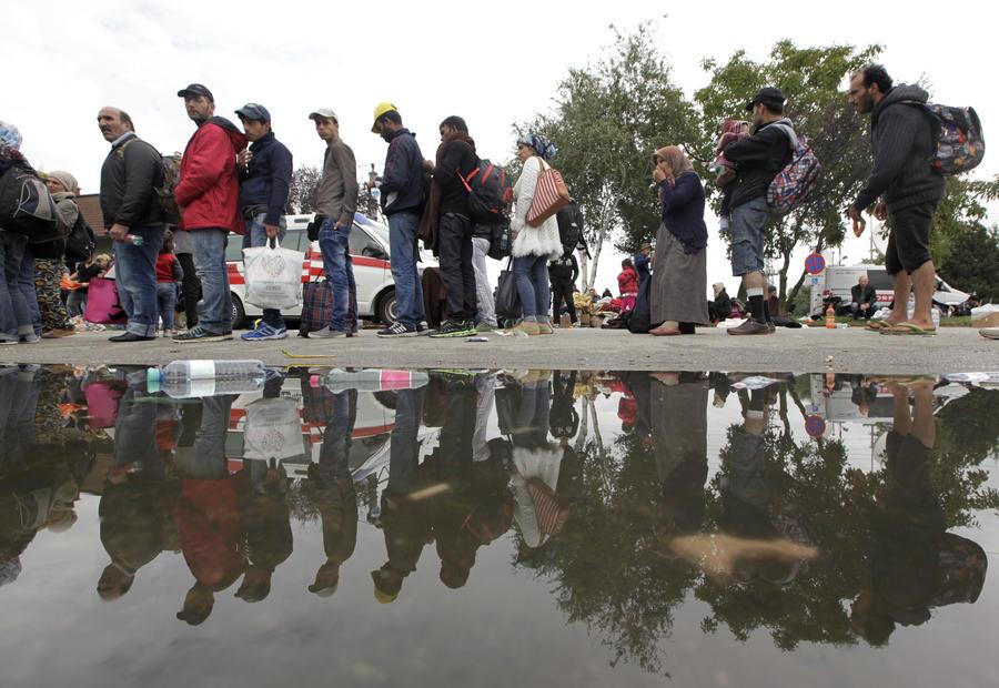 Грязь и мусор: 10 фотографий последствий миграционного кризиса в ЕС