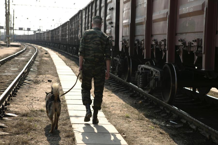 Российский пограничник погиб от взрыва неизвестного устройства на границе с Украиной