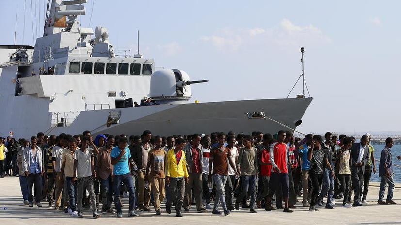 Источник: Евросоюз готов применять военную силу к нелегальным перевозчикам мигрантов