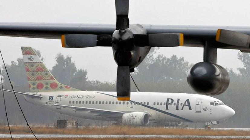 Буйные пассажиры пакистанского авиалайнера пытались ворваться в кабину пилота