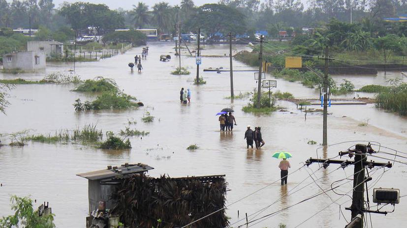 Наводнение в Индии унесло жизни около 600 человек, тысячи пропали без вести