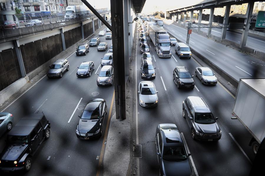 Дальнобойщики пригрозили парализовать движение на дорогах вокруг Вашингтона
