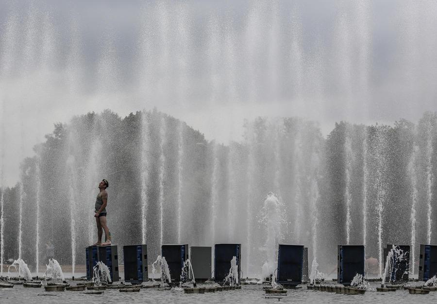 В московских парках создадут туман для борьбы с жарой