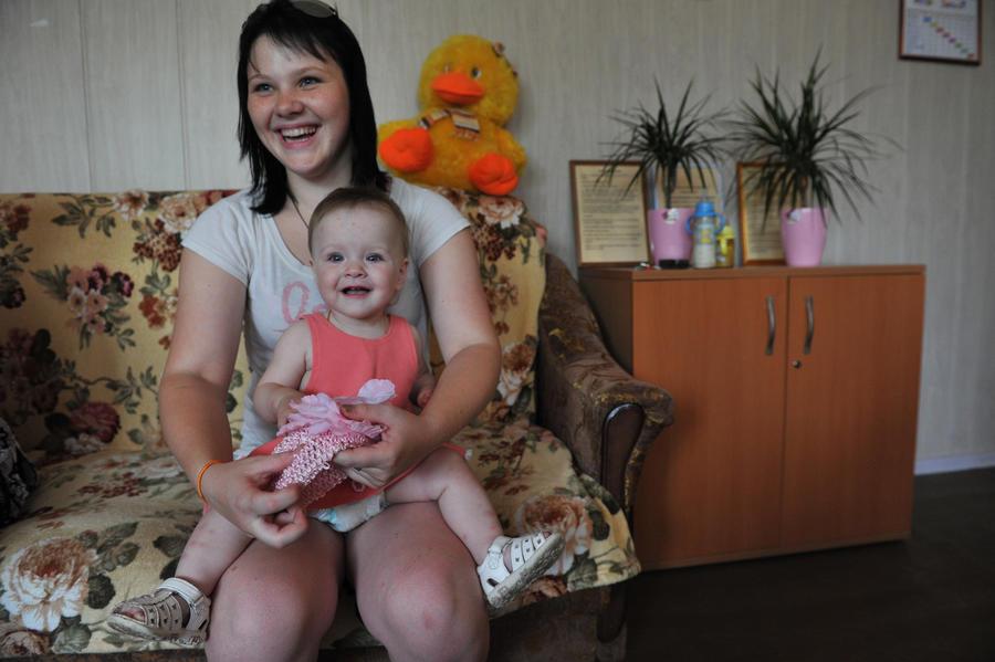 В России отмечают снижение числа социальных сирот