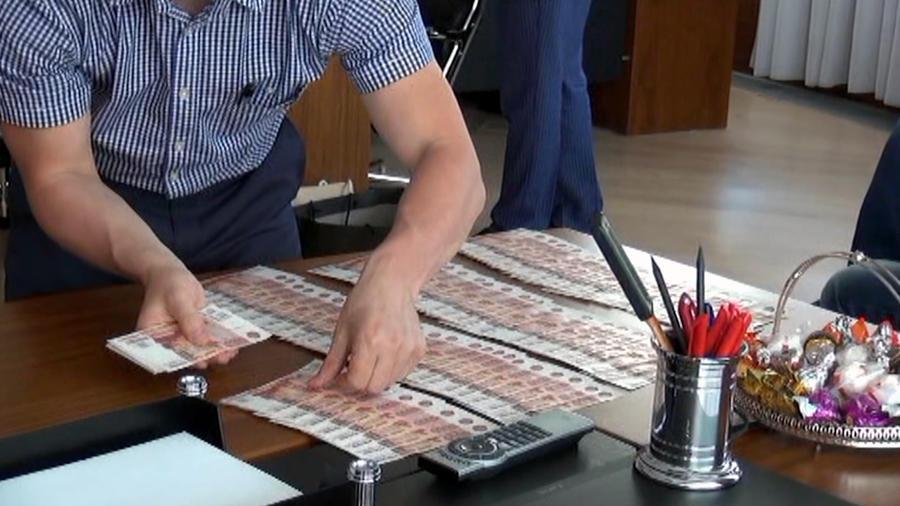 Полицейские из Петербурга воровали миллионы во время обысков