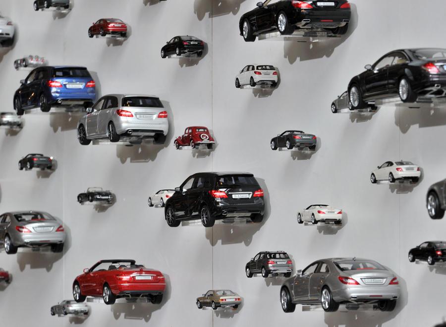 Стоимость служебных автомобилей чиновников могут ограничить 1 млн рублей