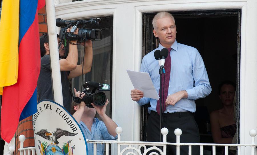 Джулиан Ассанж назначил руководителем предвыборного штаба противника британской монархии