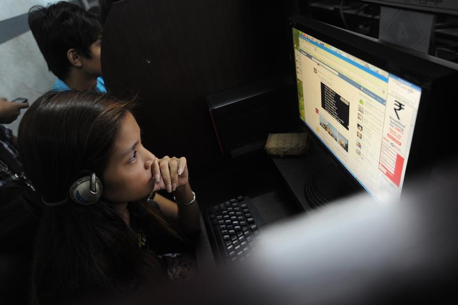 Два хакера получили доступ к данным спецслужб США, прикинувшись миловидной девушкой