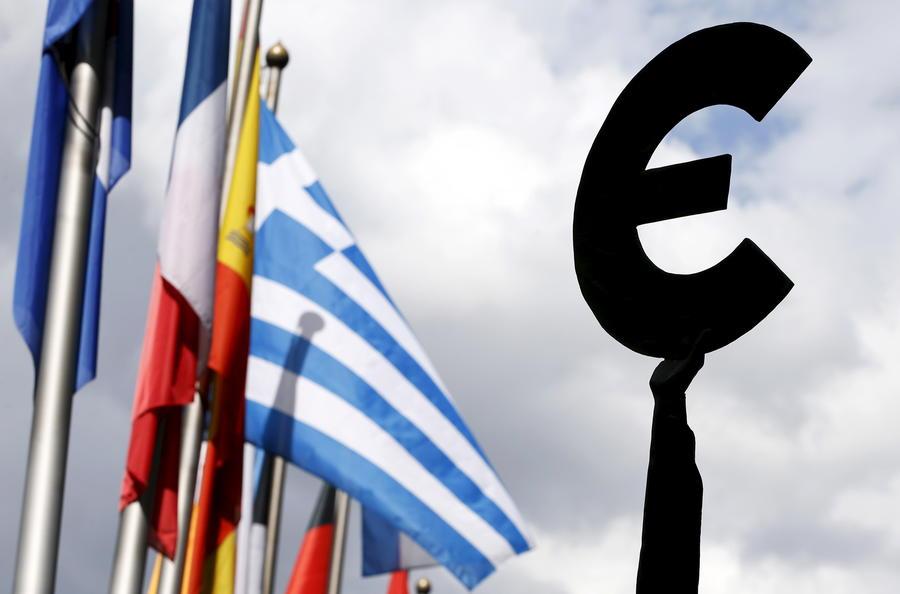 Еврокомиссия разрабатывает сценарий выхода Греции из зоны евро