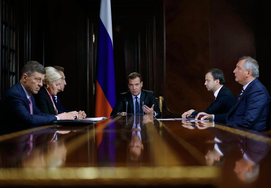 Дмитрий Медведев: Туроператоров обяжут выдавать билеты за сутки до путешествия