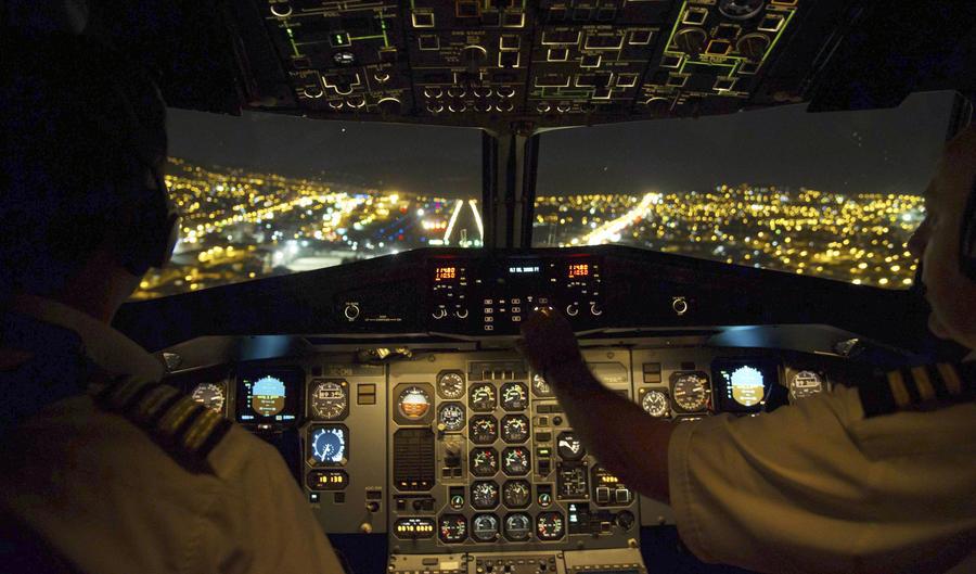 Власти США: Авиалайнеры могут стать лёгкой добычей для хакеров