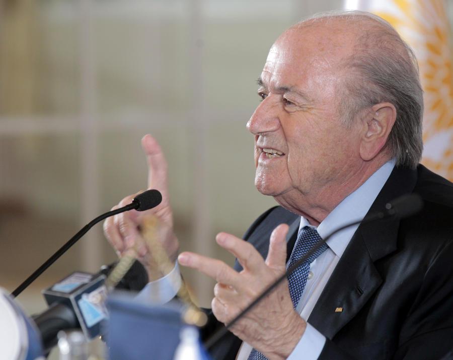 УЕФА устроит сидячий протест против переизбрания главы ФИФА