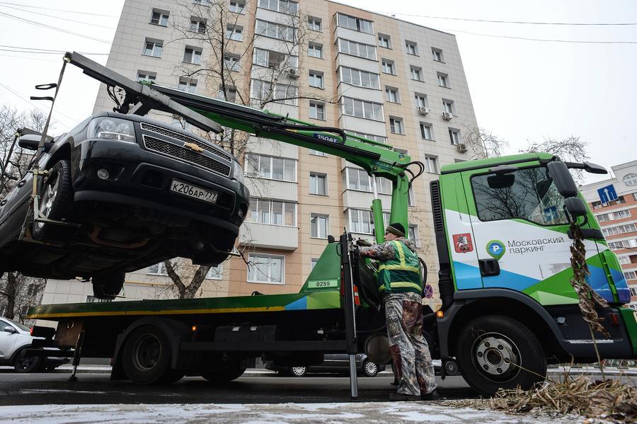 Новые правила работы эвакуаторов сегодня начинают действовать в Москве