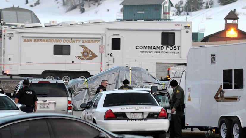 Власти Калифорнии вторые сутки не могут поймать спятившего полицейского-убийцу
