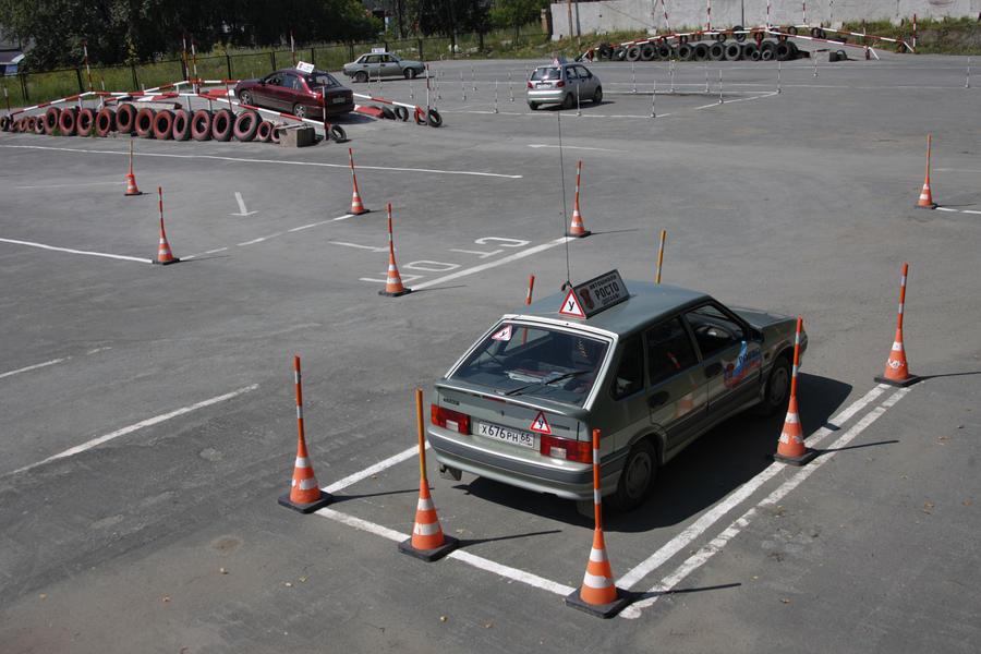 Эксперты призывают к дальнейшему реформированию системы подготовки водителей
