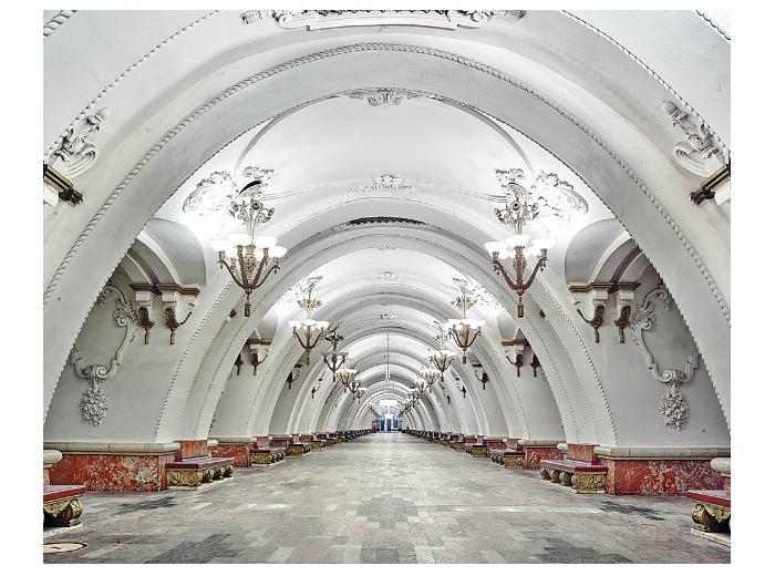 Подземное царство: фотограф из Канады создал серию невероятных снимков московского метро