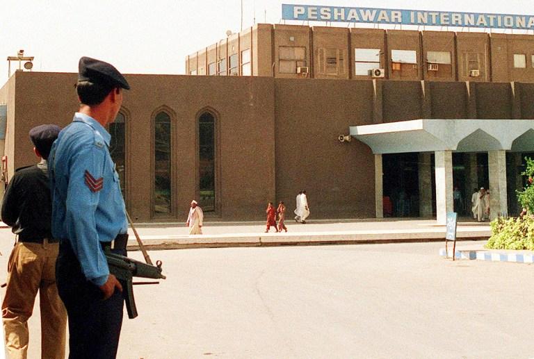 Боевики обстреляли аэропорт в Пешаваре