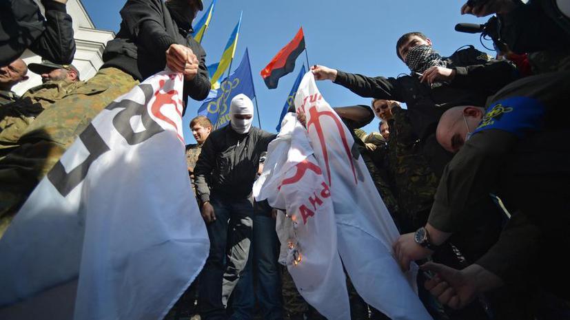День защитника УПА: инициатива Порошенко развяжет руки радикалам и вызовет отвращение Европы