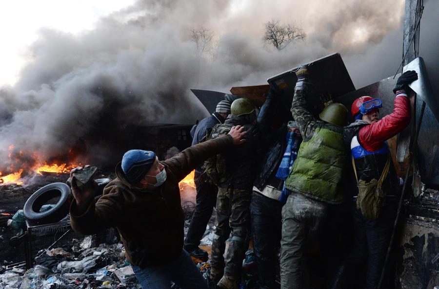 МВД Украины: погибшие от пуль в Киеве могли стать жертвами провокаторов