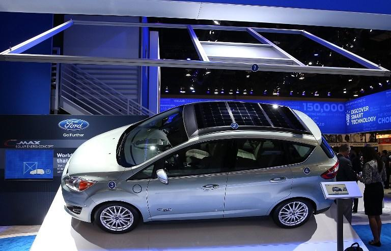 Компания Ford заявила, что следит за своими клиентами