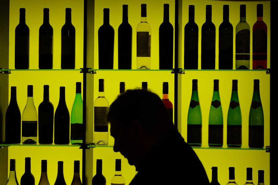Роспотребнадзор обнаружил опасные химические вещества и пестициды в нескольких винах из США