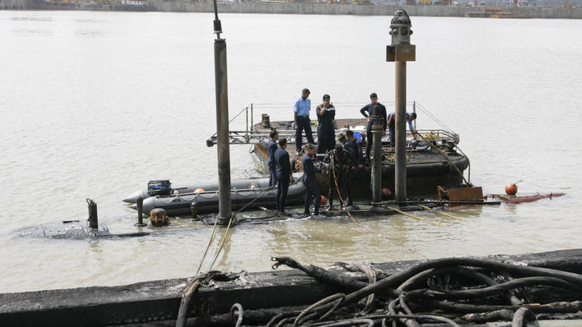 Взрыв подводной лодки в Индии: обнаружены тела троих погибших