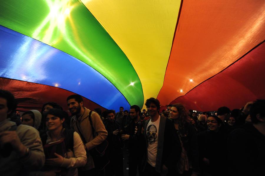 В Уругвае легализовали однополые браки