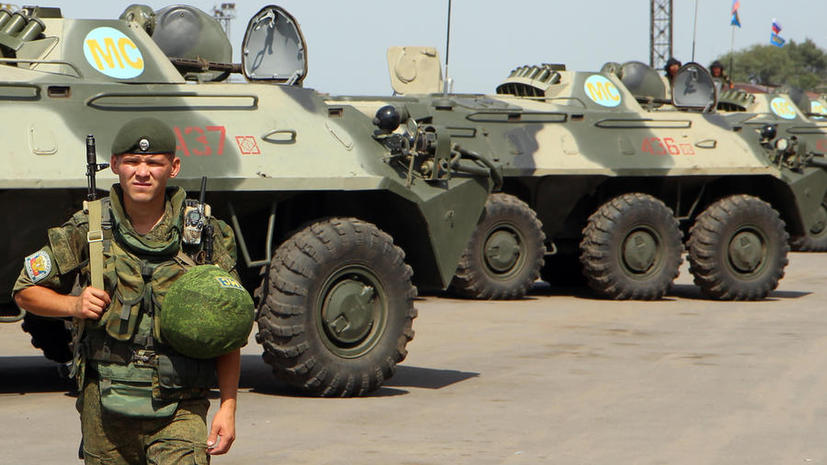 СМИ: Военным намерены запретить публикацию фотографий в Сети на фоне спецтехники