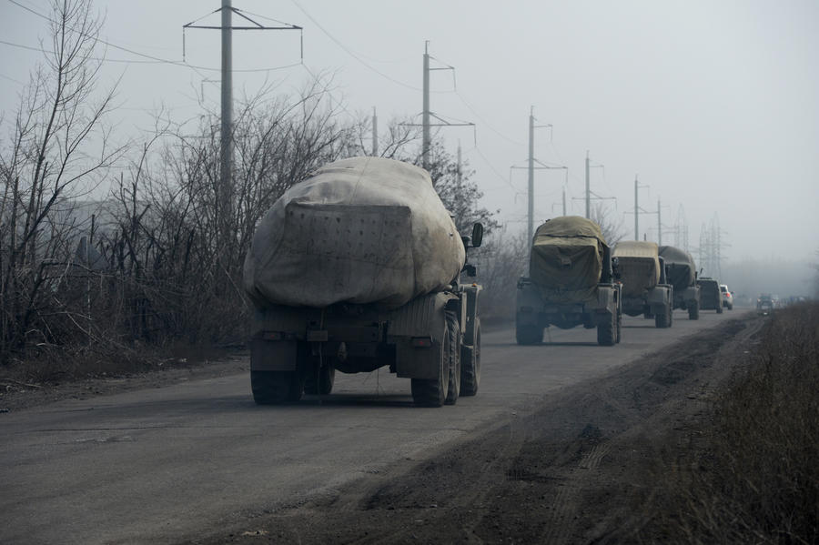 Сегодня ополченцы завершают отвод тяжёлого вооружения от линии соприкосновения в Донбассе