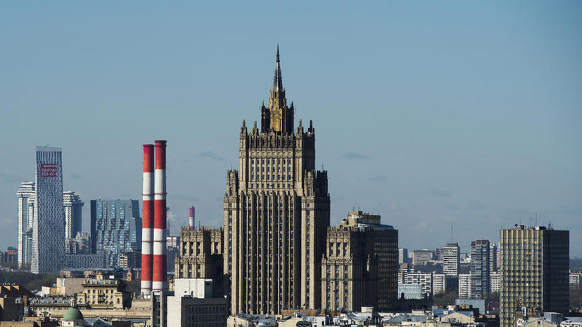 МИД РФ: Подразделения украинской армии и боевики «Правого сектора» не пускают в Славянск  Владимира Лукина