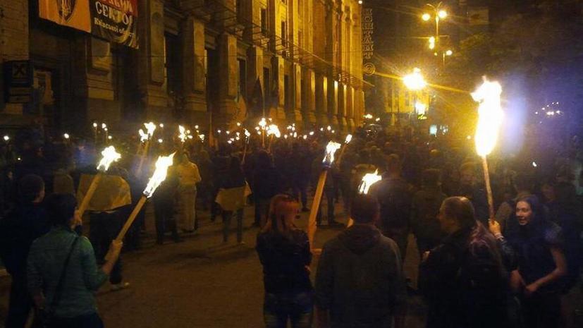 Факельное шествие националистов закончилось потасовкой на Майдане