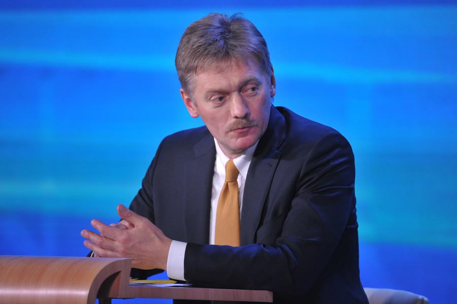 Дмитрий Песков: Государство будет стоять за спиной у людей, против которых введены санкции