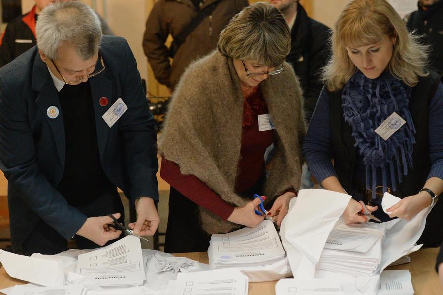 В ЛНР и ДНР выбрали депутатов Народных советов