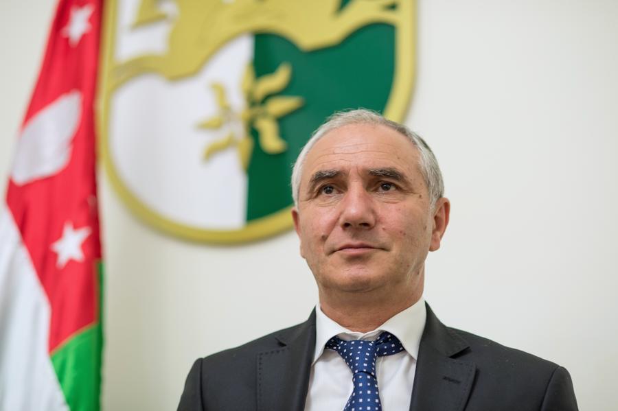 Спикер парламента Абхазии Бганба не будет претендовать на пост президента