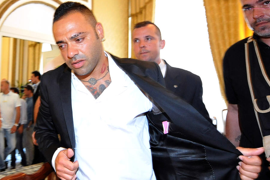 Футболист под прикрытием: нападающий «Палермо» оказался крёстным отцом мафии
