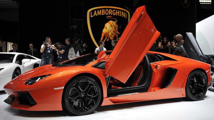 В Дубае выставили на продажу спорт-кар из золота за $7,3 млн