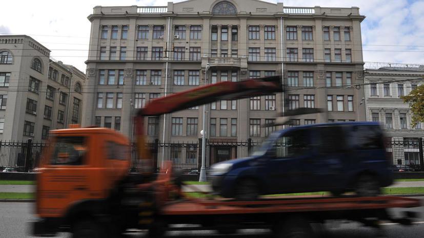 Депутаты предложили эвакуировать только те автомобили, которые мешают проезду